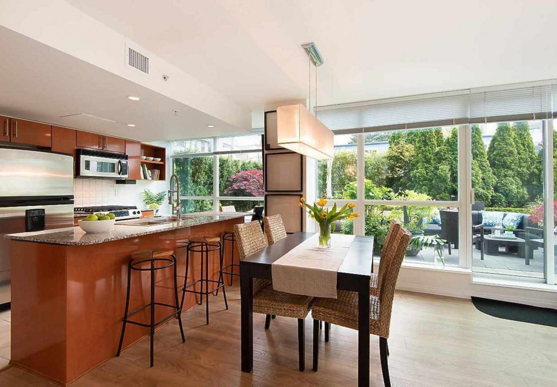 301 - 138 E Esplanade Avenue, Lower Lonsdale, North Vancouver